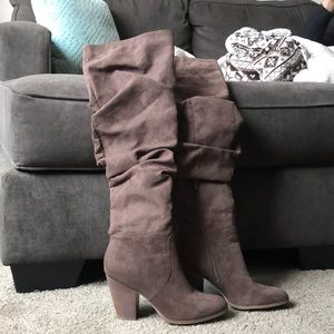 Knee high slouch boots